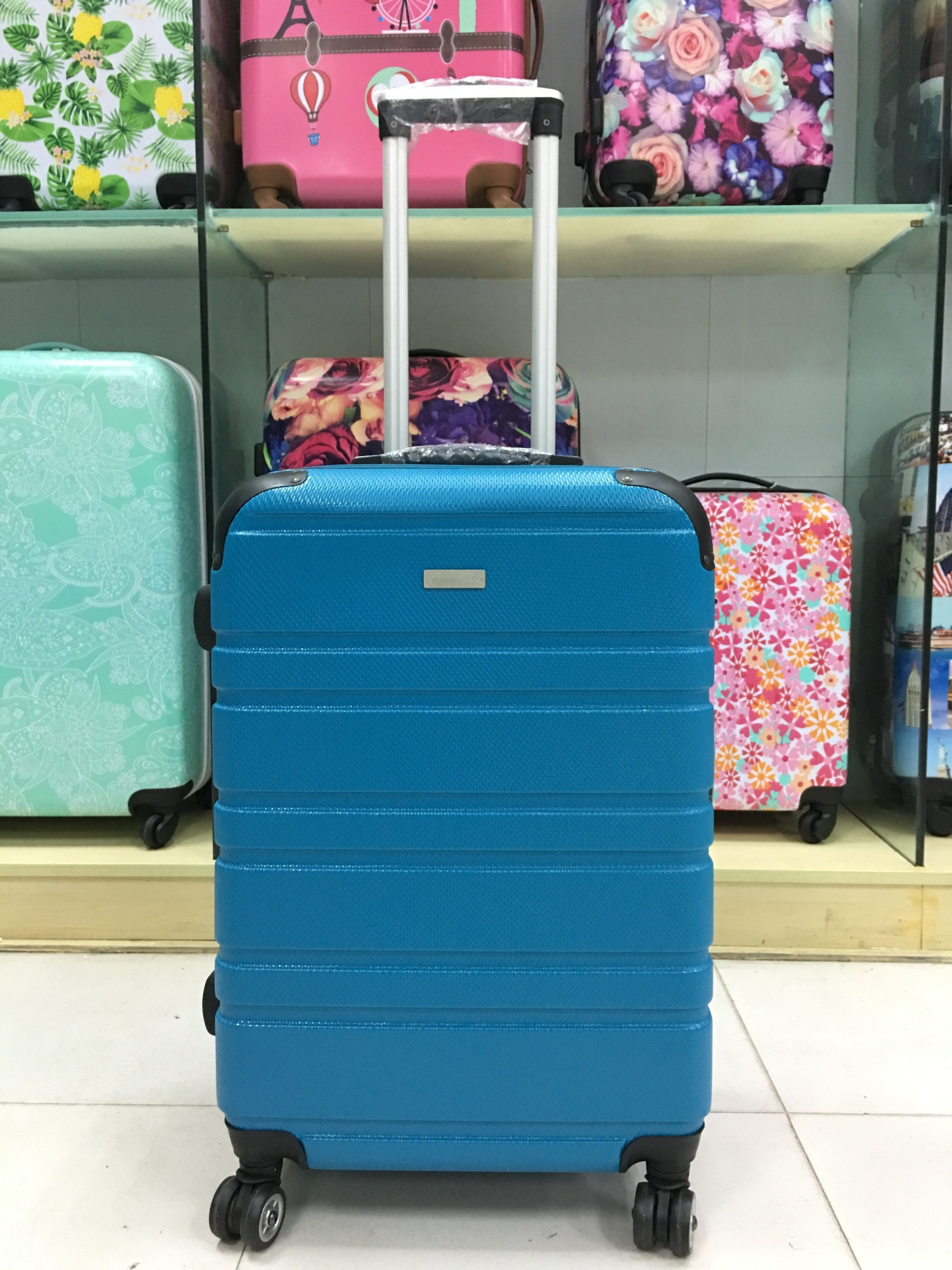 yanteng hand luggage suitcase in blue color