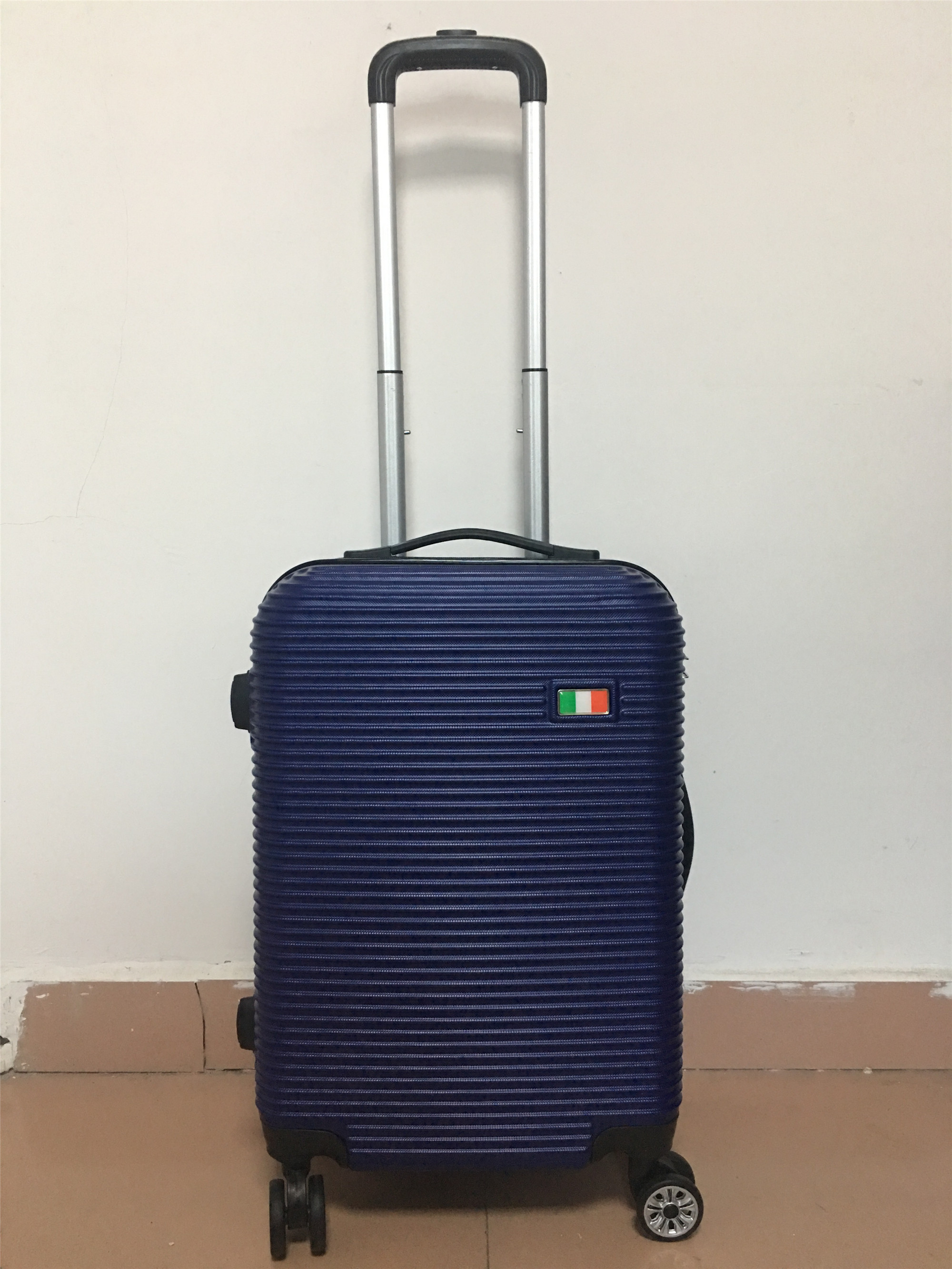 yanteng great designer luggage with customized logo