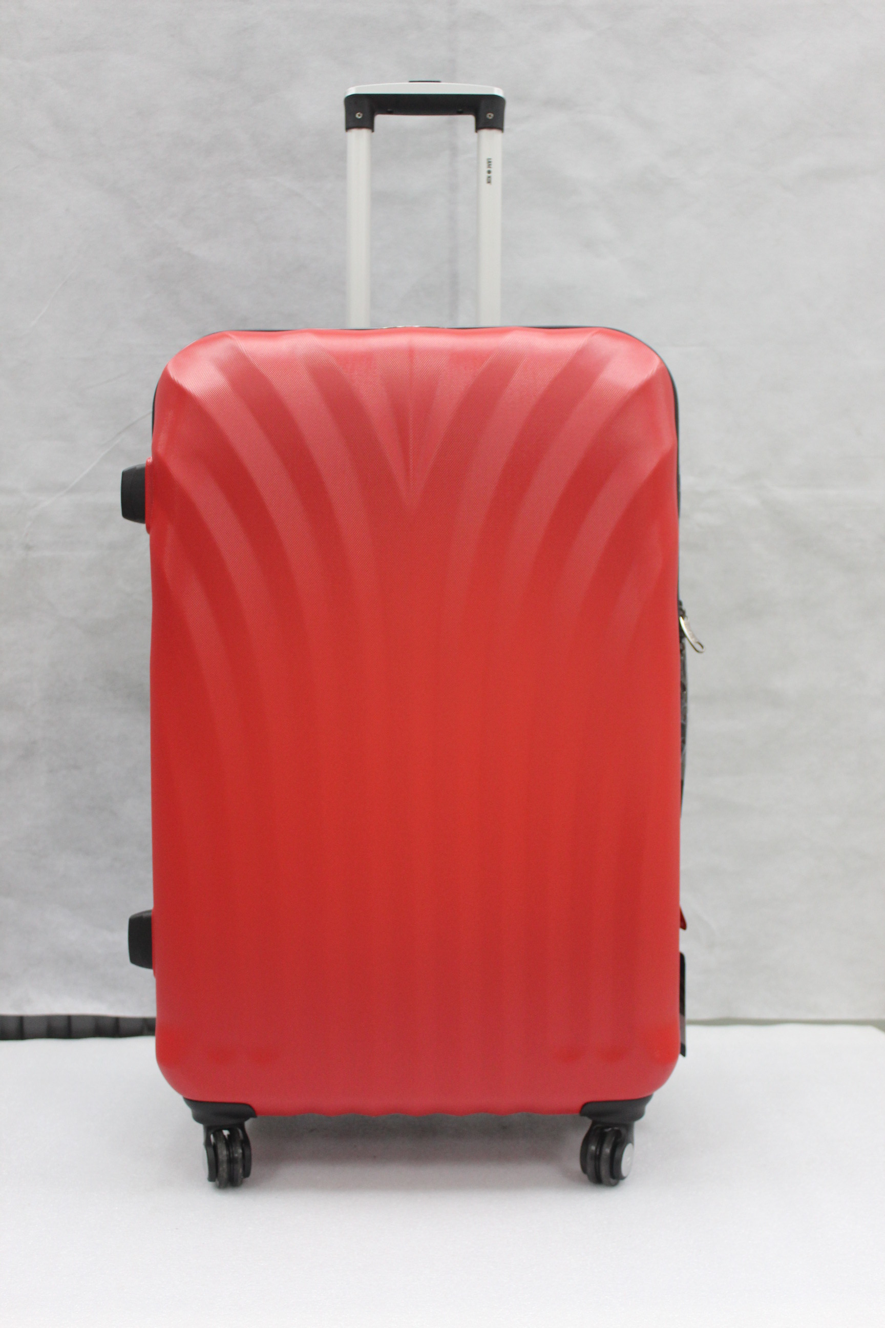 yanteng fashion spinner luggage with creative design