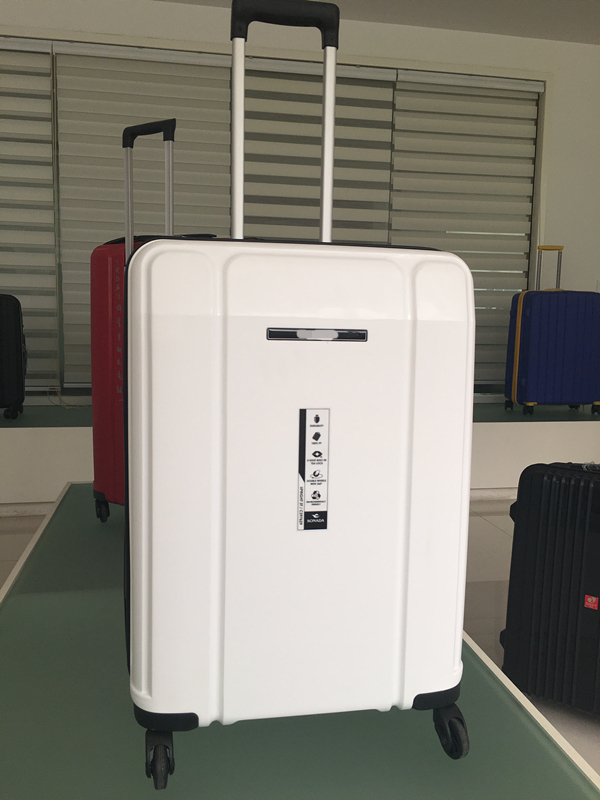 yanteng classic PP travel trolley case  in white color