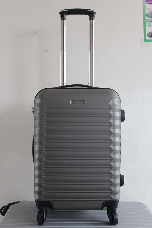 yanteng high sierra luggage in stylish design
